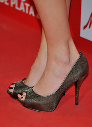 Maria Castro dolled her self up in a pair of sparkling peep-toe pumps while attending Fotogramas Magazine Awards.