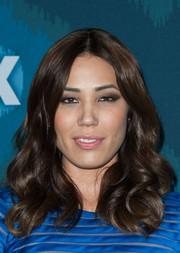 Michaela Conlin wore her hair down in thick, lush waves during the Fox All-Star party.