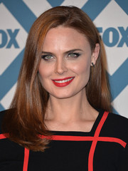 Emily Deschanel didn't need much more than this simple straight 'do to look very pretty at the Fox All-Star party.