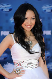 Thia Megia wore a sparkling statement ring full of large rhinestones at the 'American Idol' finale.