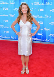 Jane Seymour looked radiant on the red carpet at the 'American Idol' finale wearing an ivory cocktail dress with metallic sequins.