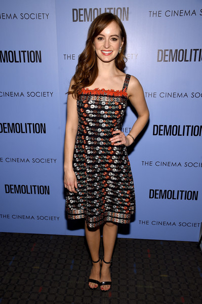Ahna O'Reilly tied her look together with a pair of black open-toe heels.