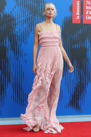Karolina Kurkova went ultra sweet in a pink lace and ruffle gown by Philosophy di Lorenzo Serafini at the Franca Sozzani Award.