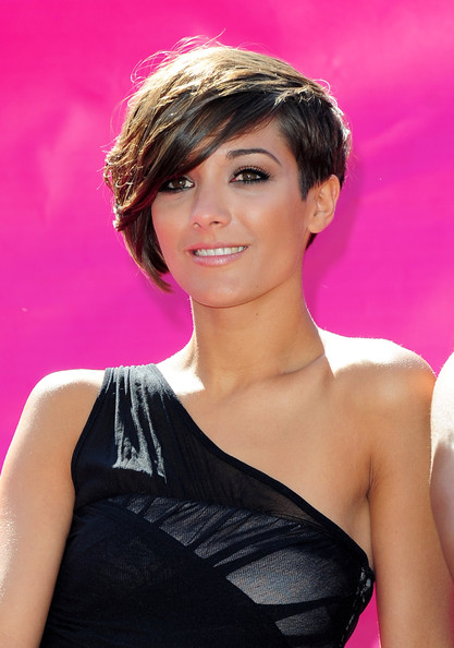 Frankie Sandford Short Emo Cut [hair,hairstyle,beauty,lady,chin,eyebrow,pink,forehead,black hair,lip,frankie sandford,london,england,t-mobile,the saturdays,big sofa/night in - launch,launch]