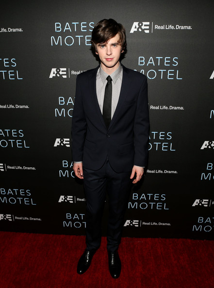 Freddie Highmore Clothes