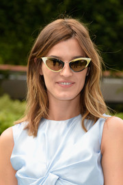 Hanneli Mustaparta looked cool wearing these modernized cateye sunglasses.