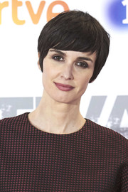Paz Vega stuck to her signature short emo cut when she attended the premiere of 'Fugitiva.'