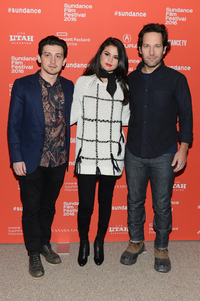 Selena Gomez attended the 'Fundamentals of Caring' premiere wearing a Tory Burch grid-patterned sweater with a pair of skinny jeans.