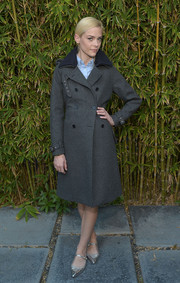 Jaime King showed off her classic-chic fall style with this dark gray Prince of Wales check coat at the GANT Rugger collection presentation.