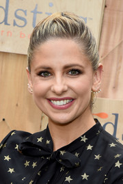 Sarah Michelle Gellar kept it youthful with this ponytail at the Gilt & Foodstirs Exclusive Cupcake Kit celebration.