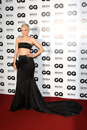 Jessie J turned heads at the GQ Men of the Year Awards with her strapless black crop top.