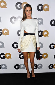 When does Alessandra not look positively striking? We loved the draping of this cutout number!