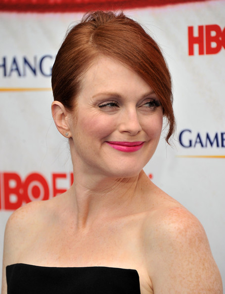 More Pics of Julianne Moore French Twist (1 of 9) - Julianne Moore Lookbook - StyleBistro
