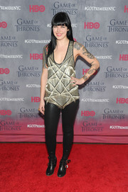Alexis Krauss added major edge to her look with a pair of black leather skinnies.