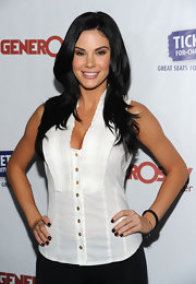 Jayde Nicole polished off her look with dark nail lacquer for the Night of Generosity benefit.