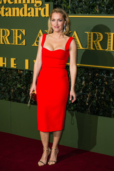 Gillian Anderson Form-Fitting Dress