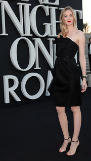 Eva Riccobono chose a lovely strapless black dress with a ruched waist for her look at 'One Night Only.'