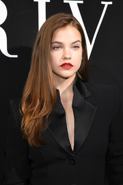 Barbara Palvin showed off a stylish layered cut at the Armani Prive fashion show.