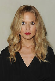 Rachel Zoe wore her hair long and wavy at the Giorgio Armani/'Vanity Fair' dinner. Her casually styled tresses kept her look boho chic.