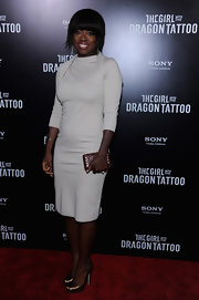 Viola Davis looked ultra-chic in a white knit dress with a unique shoulder detail for the 'Girl With the Dragon Tattoo' premiere.