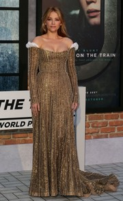 Haley Bennett made jaws drop with this stunning gold one-shoulder gown by Valentino Couture at the world premiere of 'The Girl on the Train.'