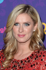 Nicky Hilton looked absolutely dreamy with her corkscrew curls during the 'Girls' season 3 premiere.