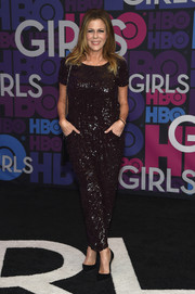 Rita Wilson was all a-glitter in a fully sequined jumpsuit during the 'Girls' season 4 premiere.