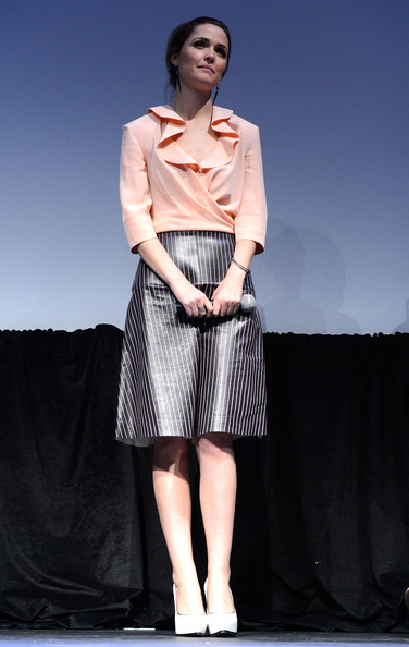More Pics of Rose Byrne Knee Length Skirt (2 of 16) - Rose Byrne Lookbook - StyleBistro