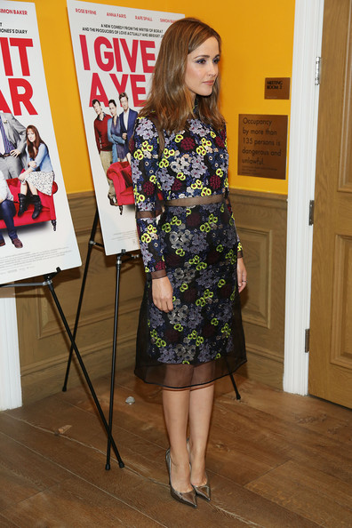 More Pics of Rose Byrne Long Wavy Cut (3 of 13) - Rose Byrne Lookbook - StyleBistro