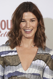 Hanneli Mustaparta looked oh-so-pretty with her shoulder-length waves at the Glamour Beauty Awards.