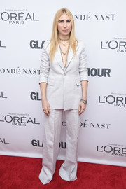 Zosia Mamet kept it understated in a white pantsuit at the 2017 Glamour Women of the Year Awards.