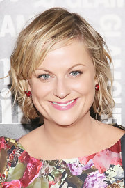 Amy Poehler wore her short hair in a messy-chic style during Glamour's presentation of 'These Girls.'