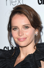 Felicity Jones looked lovely with her loose updo at the 2017 Glamour Women of the Year Awards.
