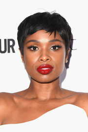 Jennifer Hudson attended the 2017 Glamour Women of the Year Awards wearing her signature pixie.