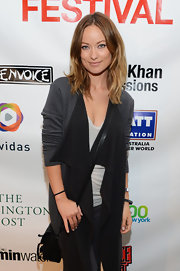 Olivia Wilde's two-toned cardigan was an ultra-cool way to rock the colorblocking trend.