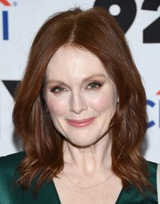 Julianne Moore framed her face with a shoulder-length wavy 'do for the 'Gloria Bell' screening and conversation.