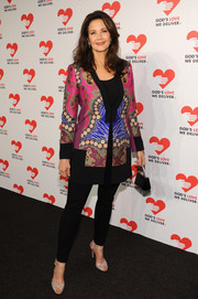Lynda Carter put her shapely legs on show in a pair of black leggings during the Golden Heart Awards.