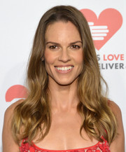 Hilary Swank styled her long hair with soft waves for the Golden Heart Awards.