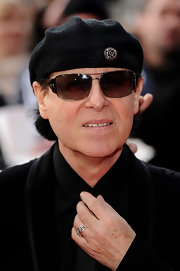 Klaus Meine wore his trademark black beret at the Gorby 80 Gala.
