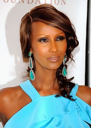 Iman knew the perfect way to take her glamorous look to the next level with a classic smoky eye.