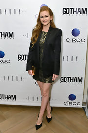 Isla Fisher chose this oversized black blazer for her chic and sophisticated look at the Gotham Magazine celebration in NYC.
