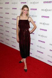 Jaime King paired her frock with embellished black pumps.
