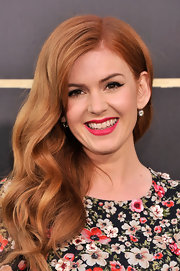 Isla Fisher channeled old-Hollywood with these retro cat eyes.