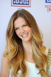 Brooklyn had us jealous of her soft golden waves at the Grill of Honor event.
