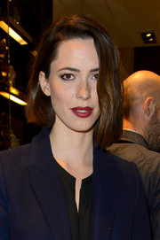 Rebecca Hall looked trendy with her asymmetrical bob at the 'Bamboo' celebration hosted by Gucci.