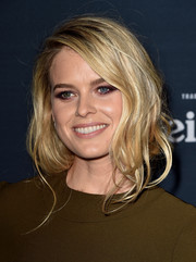 Alice Eve was sexily coiffed with this messy faux bob at the premiere of 'Before We Go.'