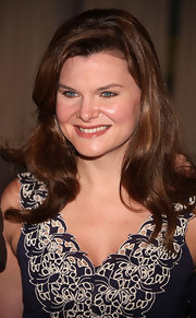 Heather Tom let down her brunette locks in a long wavy hairstyle at a Guinness World Records event.