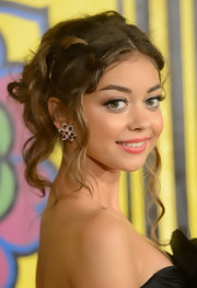Sarah Hyland decorated her ethereal updo with these floral gemstone studs.
