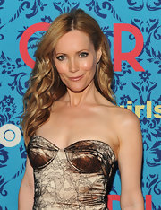 Leslie Mann was at the NYC premiere of 'Girls' wearing her long hair in softly flowing waves.