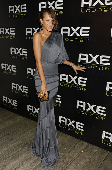 Dania paired her one-shoulder dress with a star shaped box clutch, which perfectly matched her bangle bracelets.